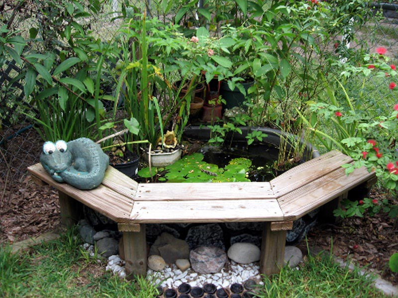Diy small water feature backyard design ideas for Small pond water feature