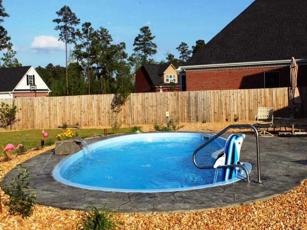 Small inground pool benefits and difficulties backyard Fiberglass swimming pool installation