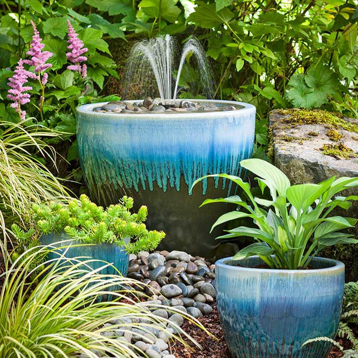 Backyard water fountains diy backyard design ideas for Backyard water fountain ideas