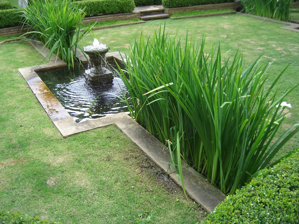 Landscaping ideas water fountains backyard design ideas for Backyard water feature plans