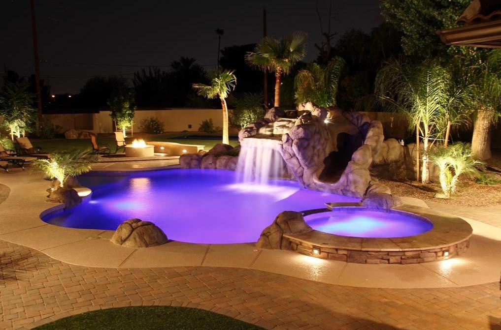 Image gallery luxury pools and spas for Pool design reunion