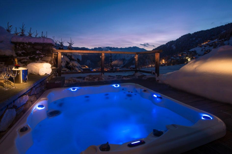 luxus outdoor spa whirlpool jacuzzi hot tub backyard design ideas. Black Bedroom Furniture Sets. Home Design Ideas