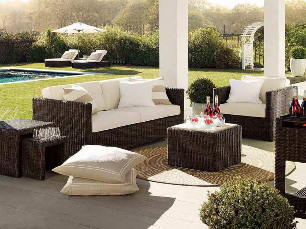Best pool patio furniture backyard design ideas for Backyard pool furniture