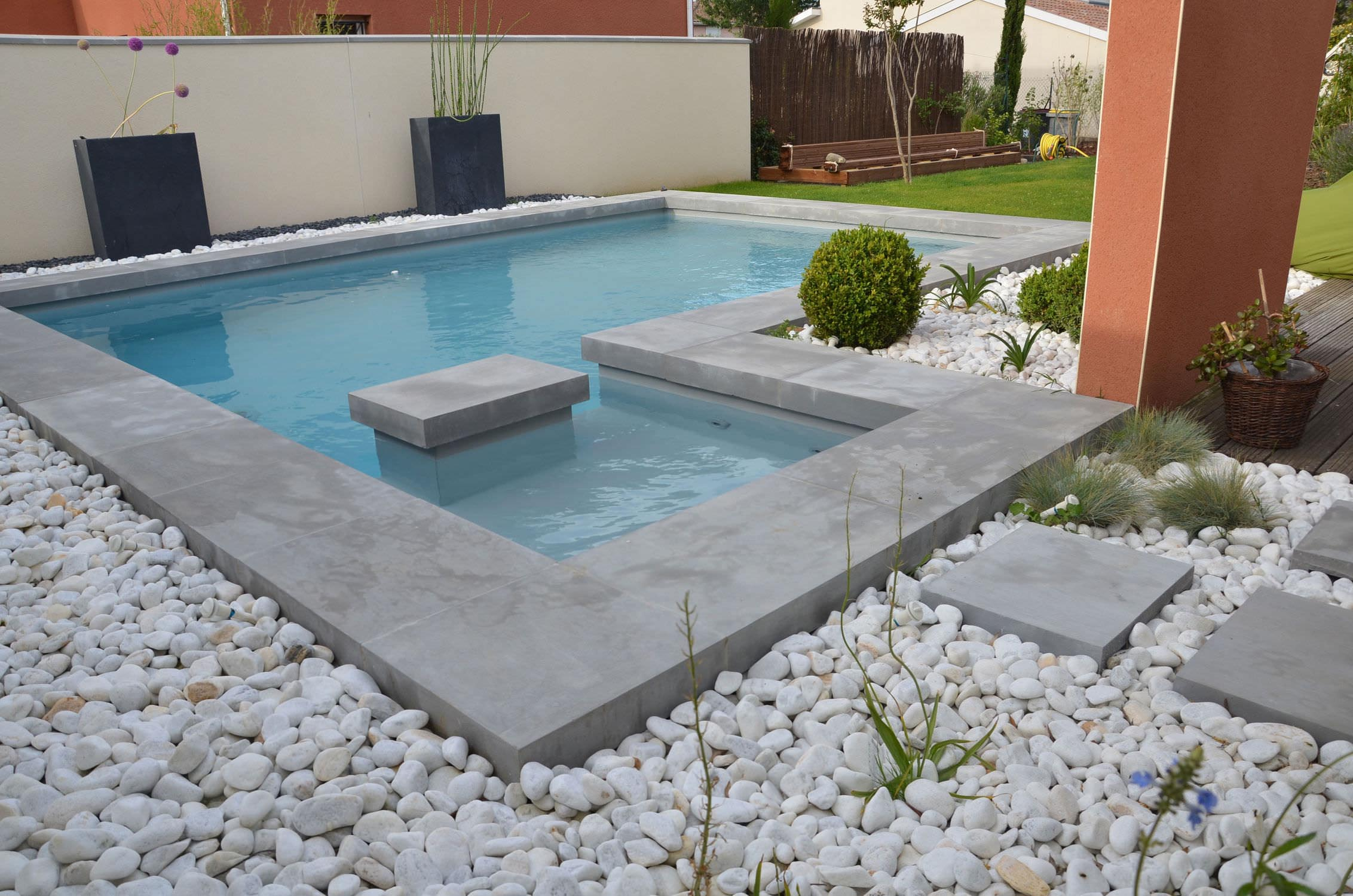Concrete swimming pool coping backyard design ideas for Concrete swimming pool
