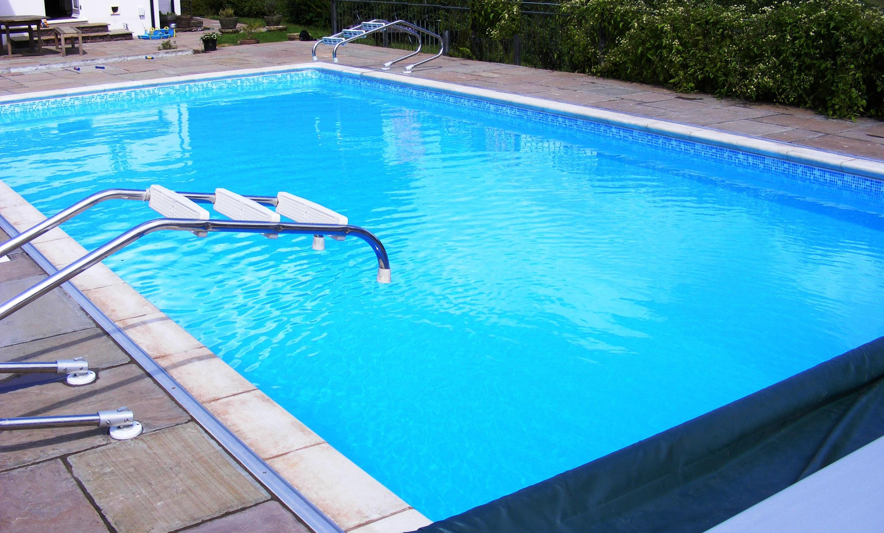 Maintaining Swimming Pool Alkalinity