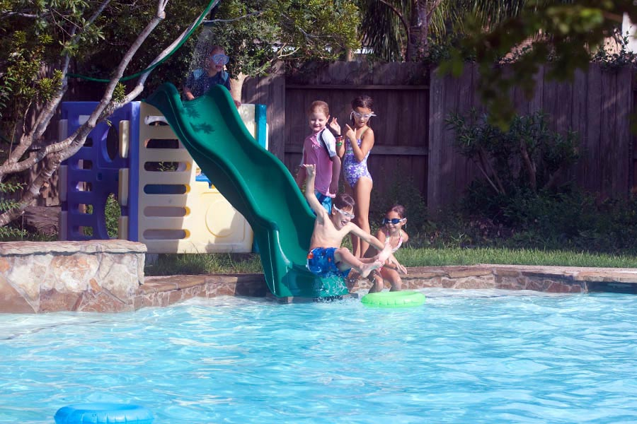 Diy swimming pool slide backyard design ideas for Pool design with slide