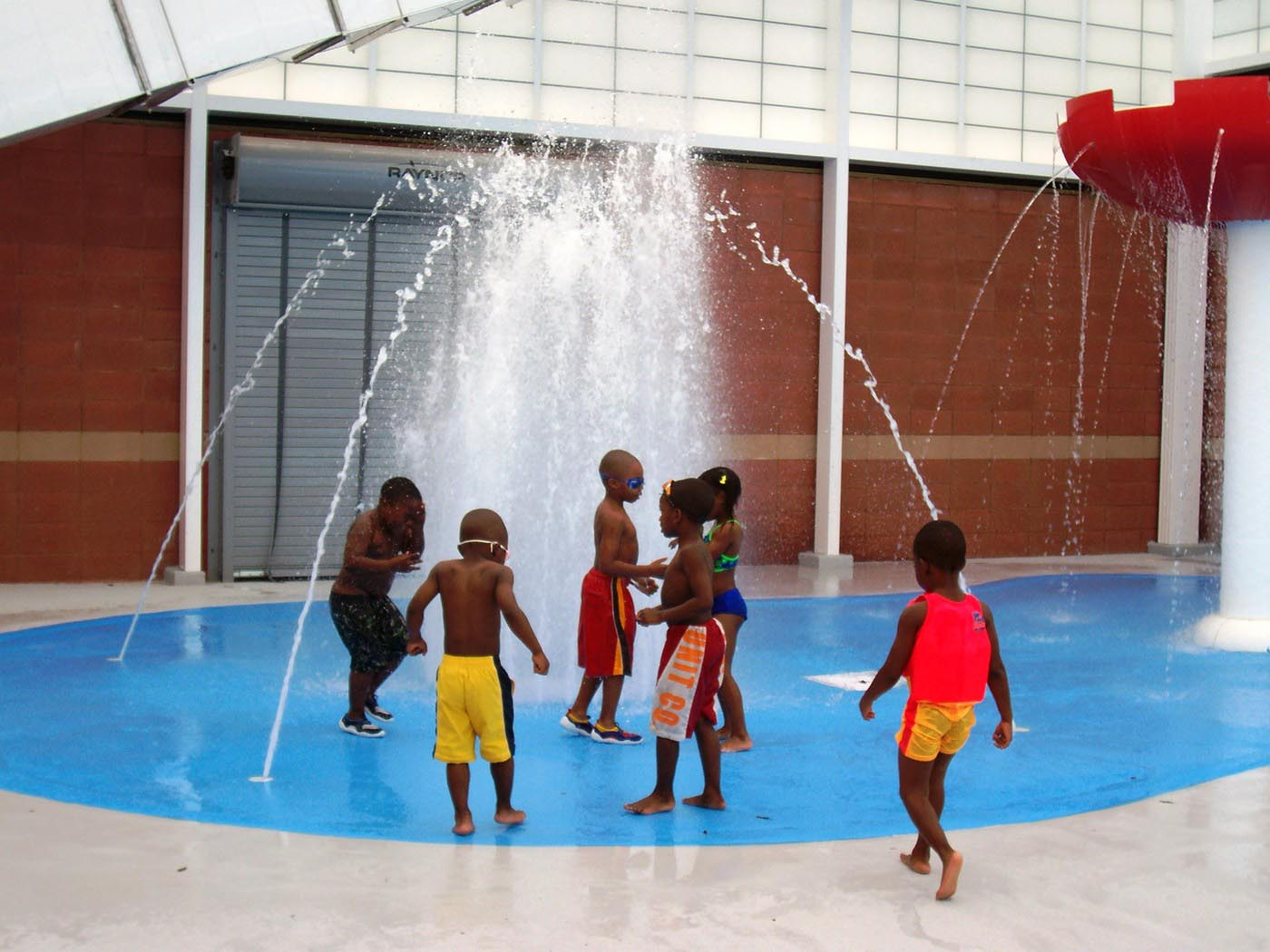 Fountain park pool swimming lessons backyard design ideas - Pools on the park swimming lessons ...