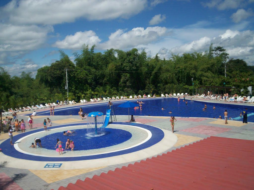 Fountain Park Swimming Pool