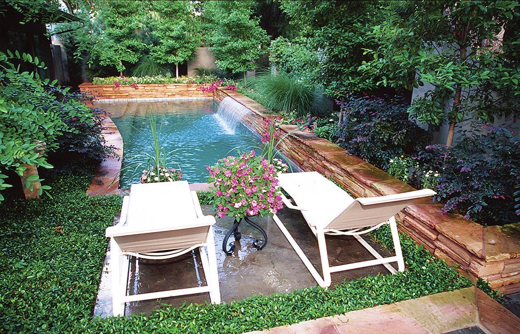 Mini Pools for Small Backyards