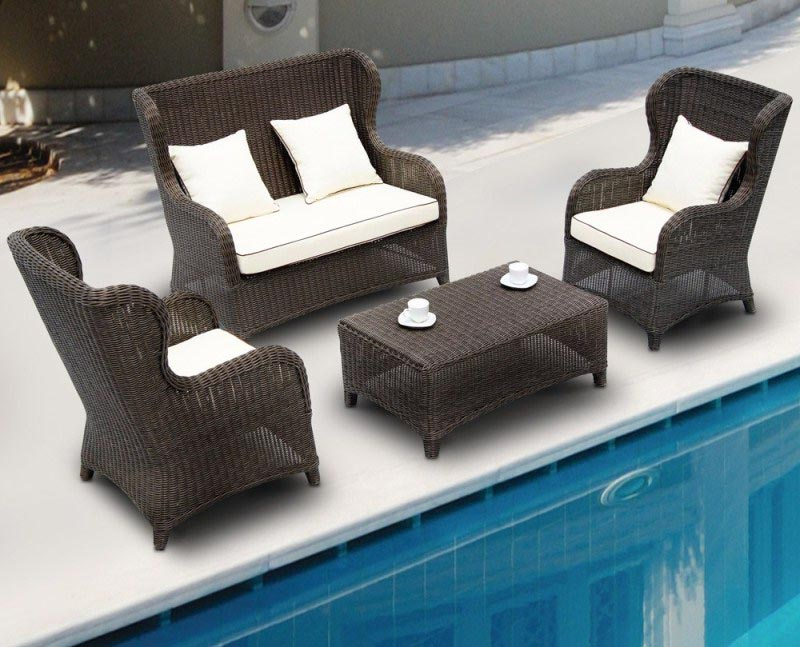Outdoor swimming pool furniture backyard design ideas for Poolside table and chairs