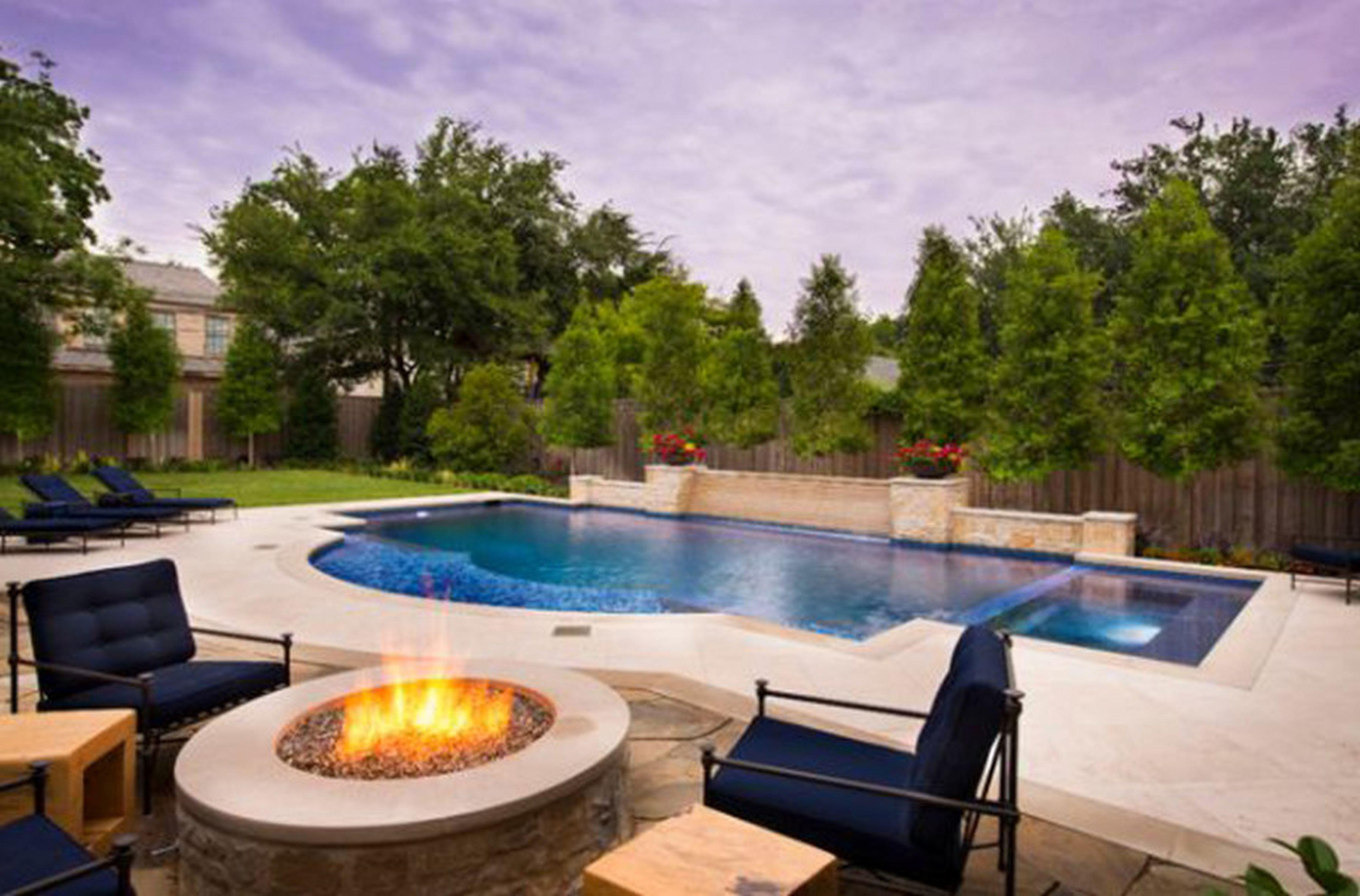 Pool ideas for a small backyard backyard design ideas for Pool ideas for small backyard