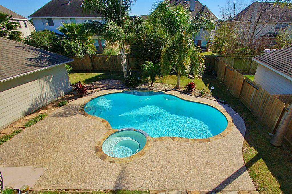 Pools With Hot Tubs And Waterfalls Backyard Design Ideas