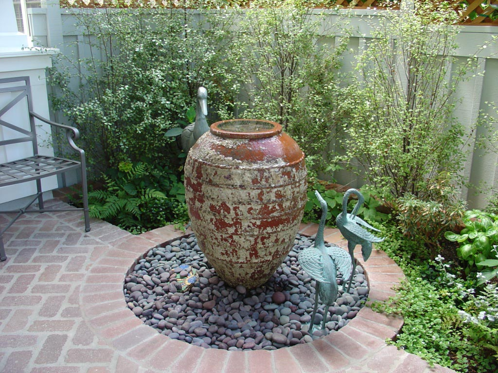 Small Garden Water Fountains | Backyard Design Ideas