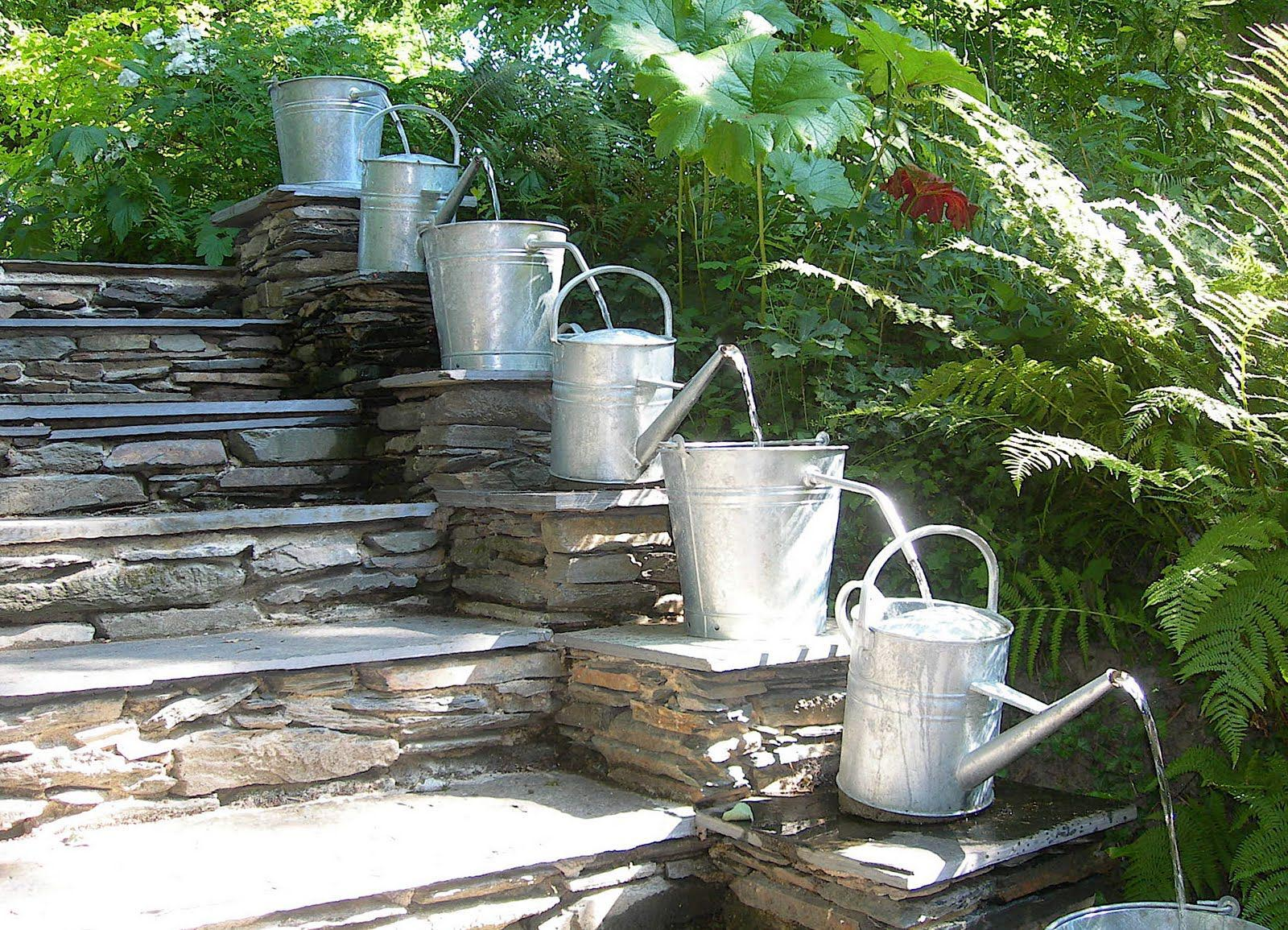 Small Outdoor Water Fountain | Backyard Design Ideas