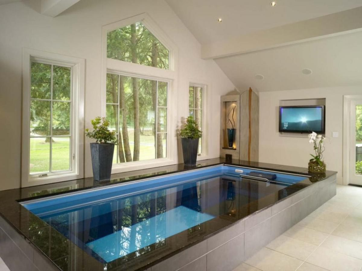 Beauty of a small swimming pool backyard design ideas for Small indoor pool ideas